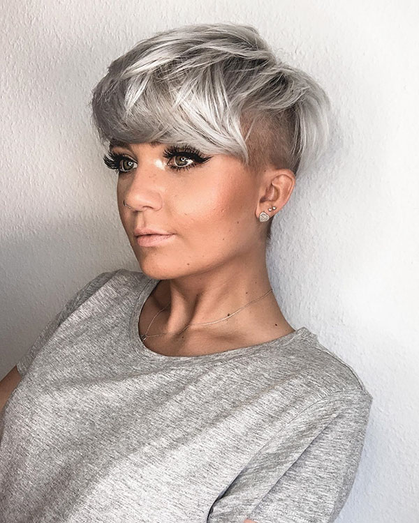 Short Platinum Hair Ideas