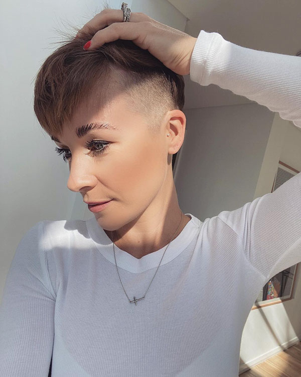 latest short hairstyles 2021