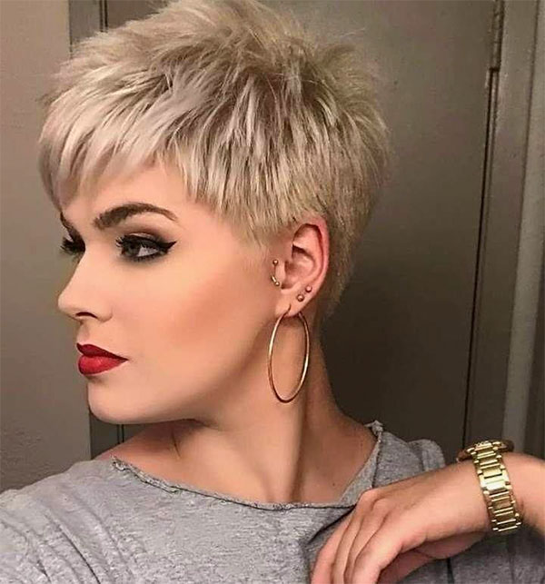 short blonde haircuts female